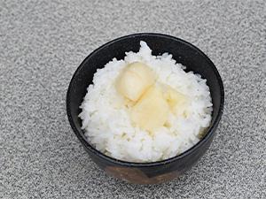 ニンニク丸ごと炊き込みご飯